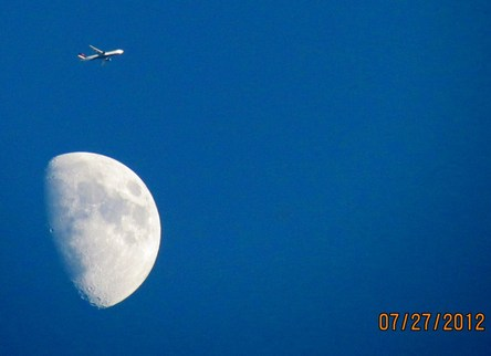 Delta Boing 767 Flying over the moon